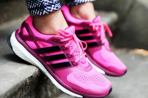 zhenskie-krossovki-adidas