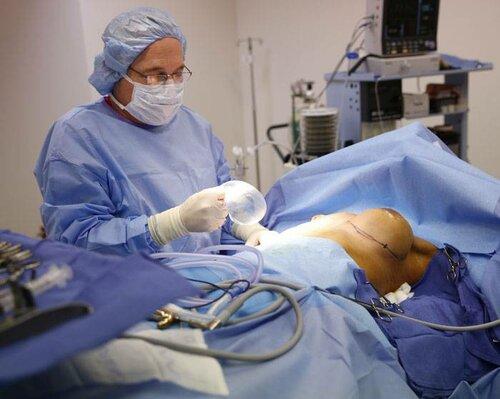 Операция по поднятию груди